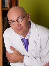 Dr. Billy Spence - Plastic Surgery Clinic in Venezuela