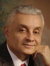 Doctor Alfredo Vargas González - Plastic Surgery Clinic in Costa Rica