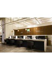 B&VIIT Eye Center - B&VIIT Vision Correction Center_Reception