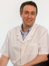 Dr. Julian Moore - Dental Clinic in Australia
