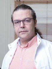 Dr. George Vardakis - Dental Clinic in Greece