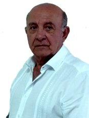 Doctor Oscar Laureano Gómez - Plastic Surgery Clinic in Colombia