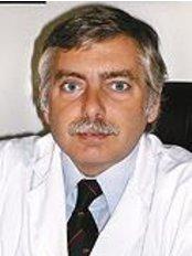 Dr. Alejandro Silvestre - Sanatorio De Los Arcos - Plastic Surgery Clinic in Argentina