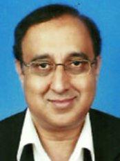 Estee Clinic Klang - Dr. Balbeer Singh