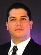 Dr. Gabriel Peralta Mantilla - Plastic Surgery Clinic in Costa Rica