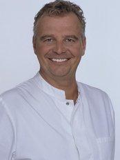 The Munich Dental Clinic - Dr Koty