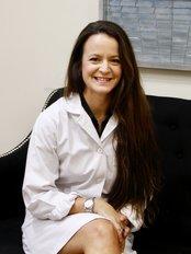 Dra. A. Placer. Especialista en Cirugía Plástica, Estética y Reparadora. - Plastic Surgery Clinic in Spain