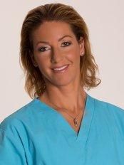 Dr. Bernadett Lévay - Fachärztin für Plastische Chirurgie - Klinik für Plastische Chirurgie in Ungarn