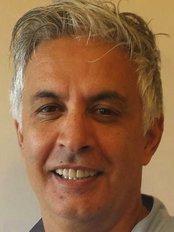 Lodwig Villa Dental Practice - Dr Sam Farmanbar