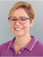 Dentist Eleni Thomou - Dental Clinic in Germany