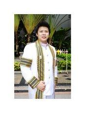 Siam Dental Square Clinic - Dr.Nuttee Sirasuntreechai