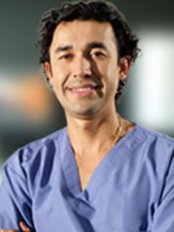 Dr Freddy Pinto - Plastic Surgery Clinic in Colombia