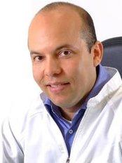 Dr. Juan Carlos López Cardona - Plastic Surgery Clinic in Colombia