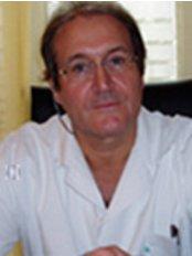 Docteur Claude Garde Angiologue - CLINIQUE DE BERCY - Medical Aesthetics Clinic in France