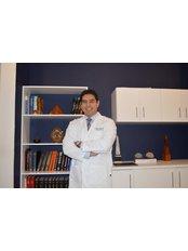 Dr. Arturo Valdez - Plastic Surgery Clinic in Mexico