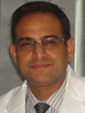 Tandonz - The Cosmetic Clinic - Dr. Rahul Tandon