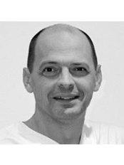 Dr. Med. Stefan Sünkel - Plastic Surgery Clinic in Germany
