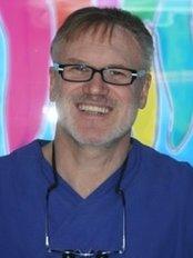 Dr. Werner Hölscher - Dental Clinic in Germany