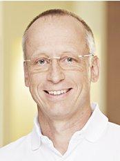 Dr. Matthias Christ - Dental Clinic in Germany