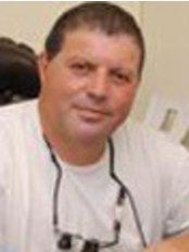 Dr. Michael Rudnicki - Dental Clinic in Israel
