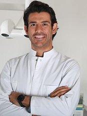 Dr. Ertuğrul Çetinkaya - Dental Clinic in Turkey