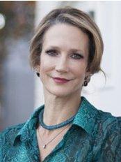 Dr.Anna Sylwstrowicz - Dental Clinic in Canada