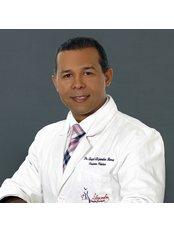 Dr. Alejandro Mora - Cirujano Plastico y  Reconstructivo - Alejandro Mora, Plastic Surgeon