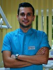 Medic Dentist Timisoara - Vladescu Razvan - Dental Clinic in Romania