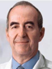 Dr Nicolas Christou - Bariatric Surgery Clinic in Canada