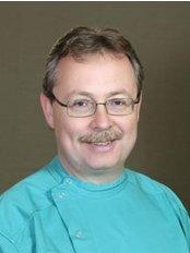Dr. Volom Esztetikai Fogaszat - Dental Clinic in Hungary