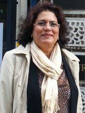 Prof. Dr. Shaista Effendi - Plastic Surgery Clinic in Pakistan