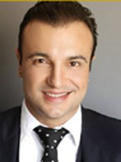 Dr. Adriano Medeiros - Plastic Surgery Clinic in Brazil