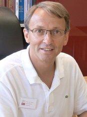 Prof. Dr. med. Jörn Elsner - Dermatology Clinic in Germany