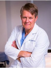 Dr. Cap Lesesne - London - Plastic Surgery Clinic in the UK