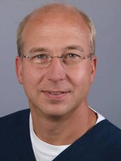 Dr. Michael Klewes M.Sc. - Dental Clinic in Germany