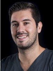 Clínica Odonotología Avanzada - Dr. Vicente Fornés