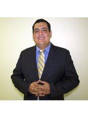 Dr Esteban Urzola - Dr Esteban Urzola