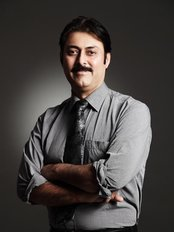 ARORAS DENTAL CLINIC - Dr.Aman Arora
