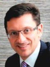 Dr Mark Kohout, Plastic Surgery - Orange - Dr Mark Kohout