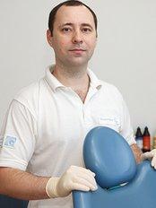 Family Dent - Dr Taras Nikolenko