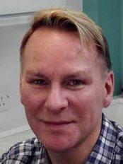 Richard Miller-White Dentistry - Dental Clinic in the UK