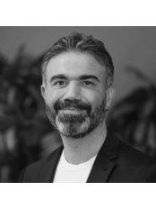 Dr. Ozan Balik - Klinik für Plastische Chirurgie in der Türkei