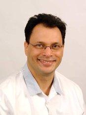 Opus Specialist Dental Service - Mark Vardon