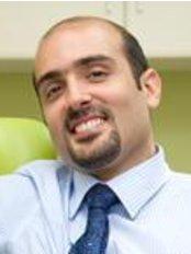 W1 Dental - Dr Kamran Rostam Yazdi