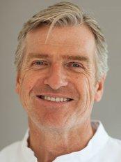 E-Line Orthodontics - Dental Clinic in the UK