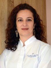 Dra. Roberta Bagnatori - Dental Clinic in Brazil
