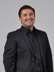 Esthetics & Implants Dental Specialists - Dr Jose Pablo Azofeifa