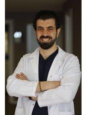 Dr. Emrah Cinik - Haarklinik in der Türkei