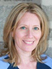 Clinique Dentaire du Vieux Montreal - Dr Lisa McGregor