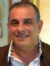 Shaker Center - Mohandeseen Branch - Hair Loss Clinic in Egypt